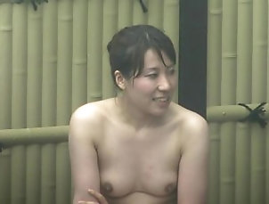 Japanese;HD,HD;Japanese;Solo Girl 高画質露天風呂盗撮...