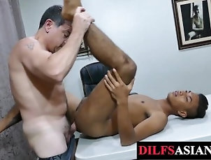 daddysasians;amateur-twink;asian;twink;bareback;breeding;old-vs-young;twunk;daddy;blowjob;missionary;mature,Bareback;Daddy;Asian;Twink;Blowjob;Gay;Cumshot Cocksucked Asian...